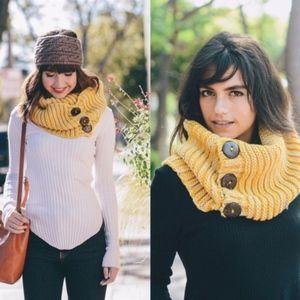 MUSTARD LOVE Knit Infinity scarf